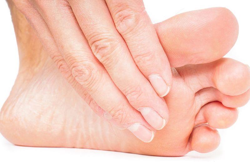 vesciche tra le dita dei piedi