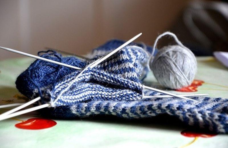 Rilassarsi lavorando... a maglia!