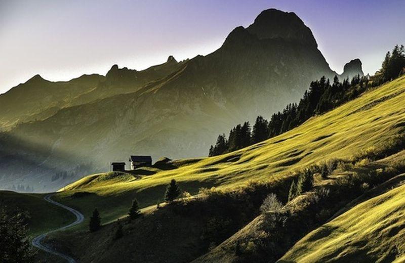 Celebriamo i sileziosi giganti: le montagne