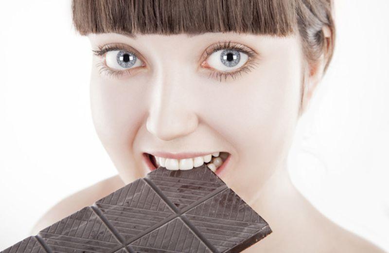 Cioccolato fondente, tutte le proprietà e i benefici