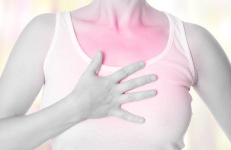 Tosse grassa e dolori di stomaco