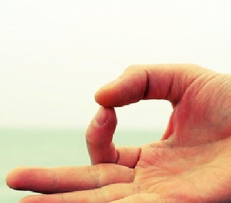 Cosa sono i mudra: le posizioni delle mani nello yoga