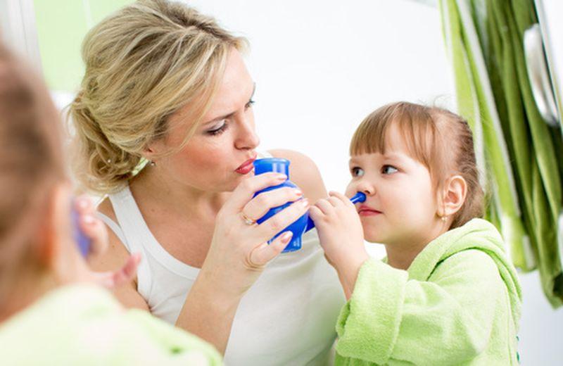 Come preparare la fisiologica per i lavaggi nasali in casa