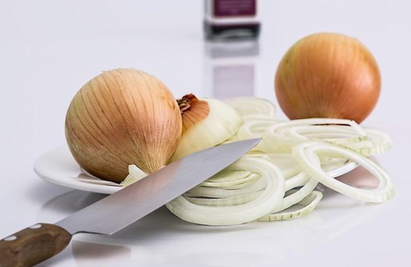 Cinque usi alternativi della cipolla e tutte le proprietà