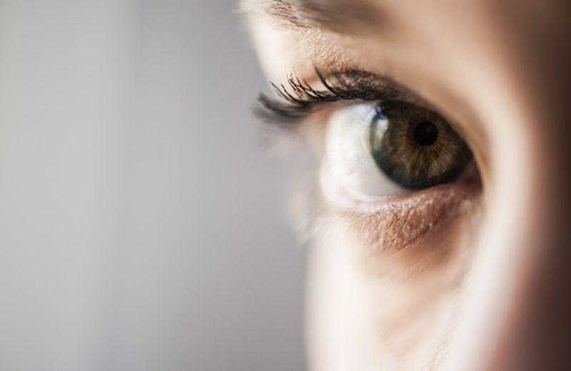 Occhi gonfi: i 5 rimedi più efficaci