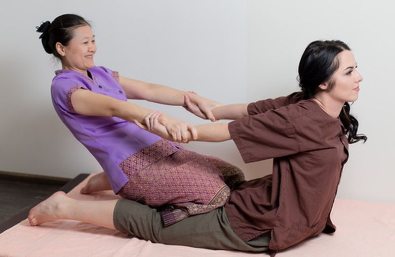 I benefici del massaggio thailandese