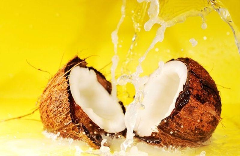 Acqua di cocco, proprietà e benefici