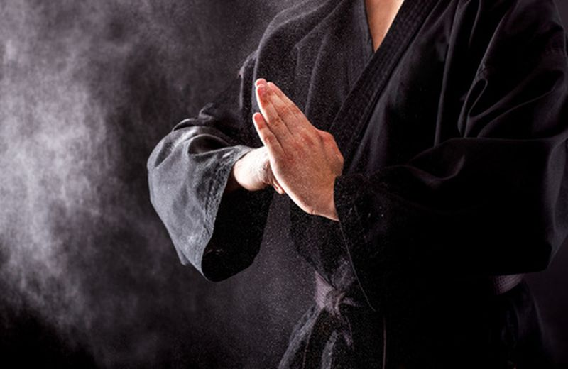 Arti marziali: le flessioni per rinforzare le mani