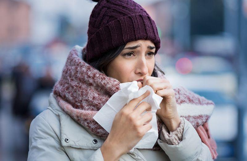Tosse cronica: cause e rimedi, anche naturali