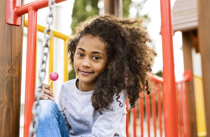 Come curare i capelli ricci nei bambini