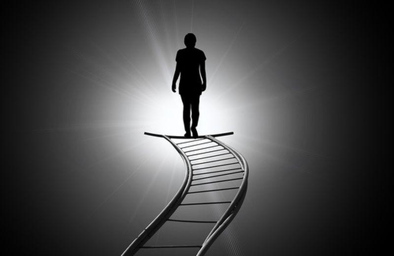 Salterellando tra esperienze pre-morte, reincarnazione, oltretomba