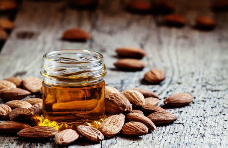 Olio di mandorle dolci: utilizzo e benefici