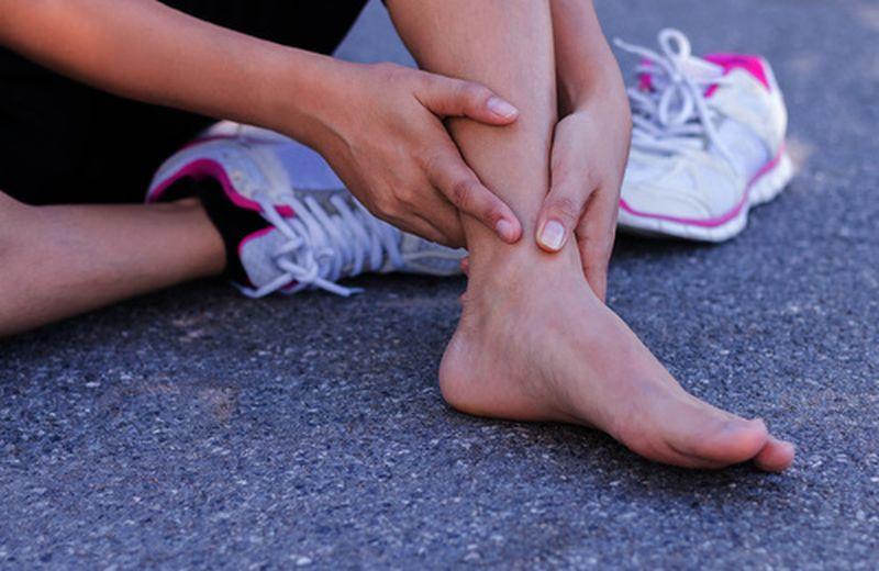 Gli oli essenziali per i piedi degli sportivi