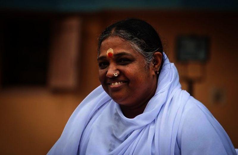 Amma: il guru degli abbracci