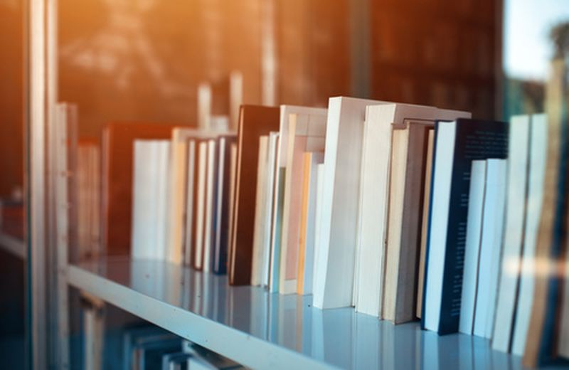 Biblioterapia: leggere per essere più felici