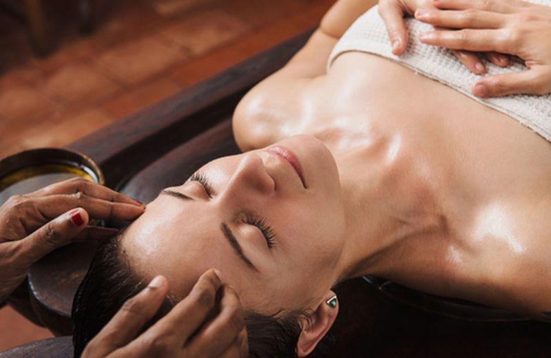 Massaggio ayurvedico: benefici e come si fa