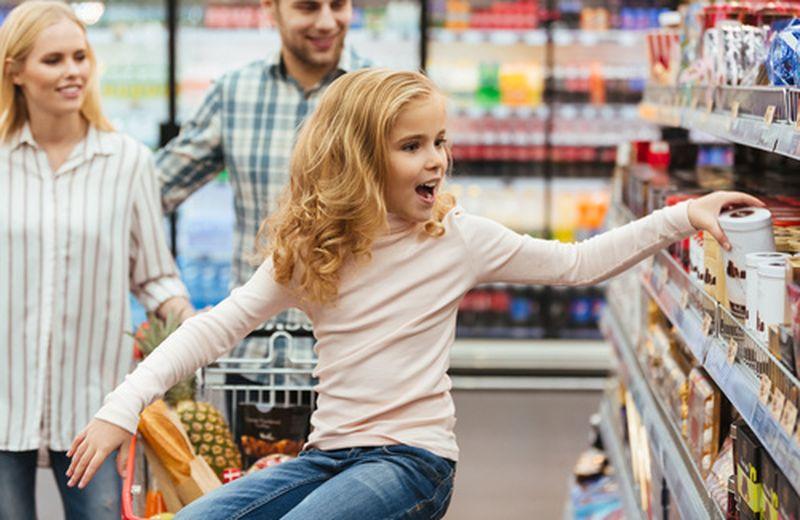 Obesità infantile: snack vietati alle casse in UK