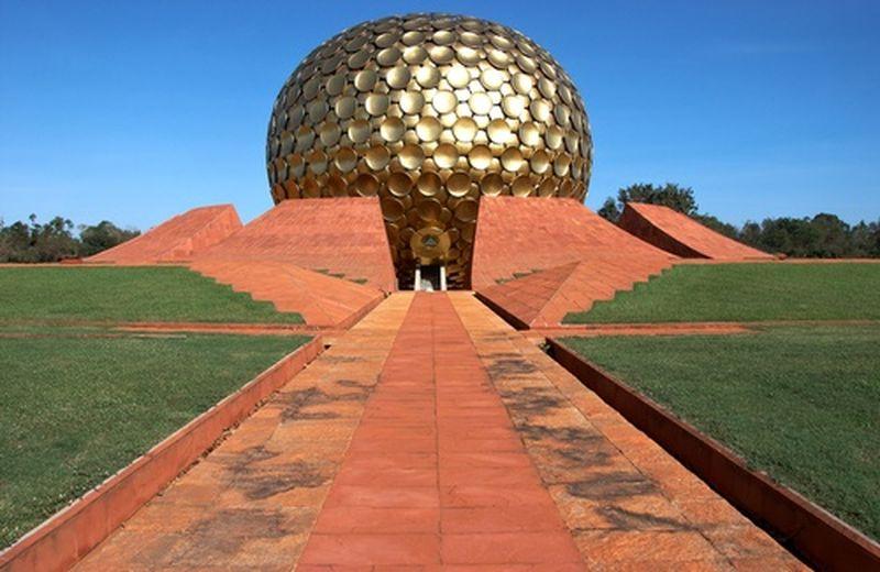 Auroville sul blog di Grillo, qualche precisazione