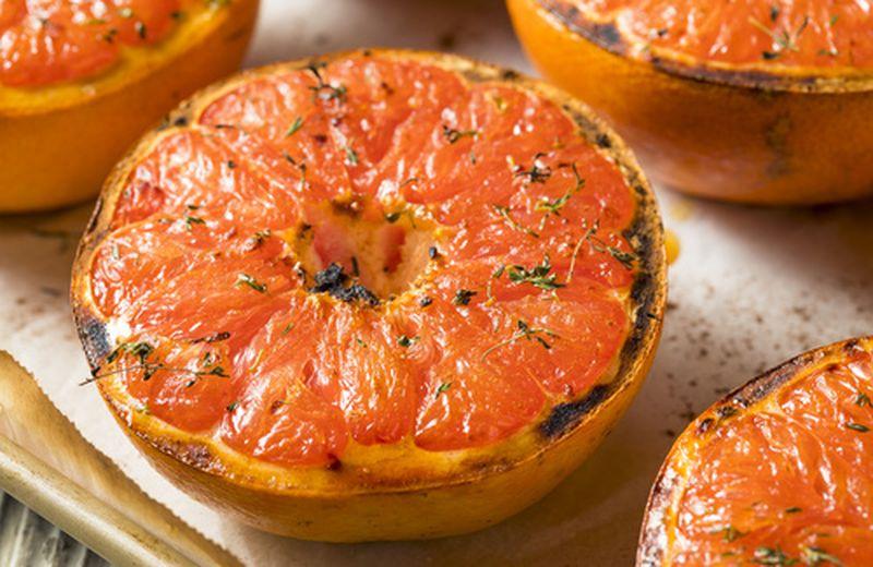 Cucinare con la frutta: pompelmo rosa al forno