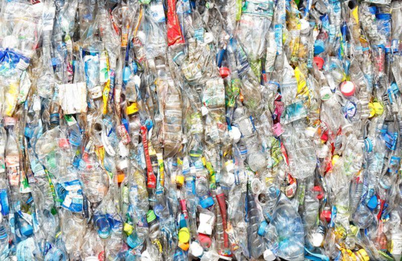 Plastica: siamo sicuri che riciclarla sia sufficiente?