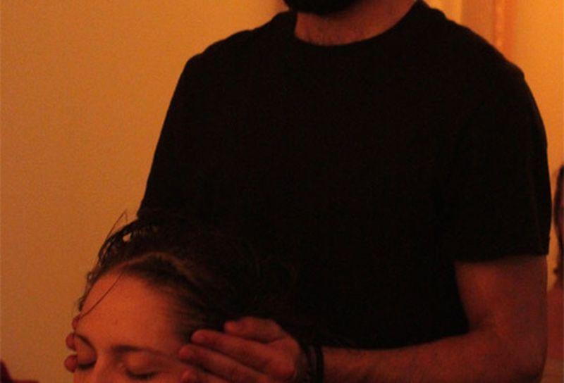 Massaggio ayurvedico della testa