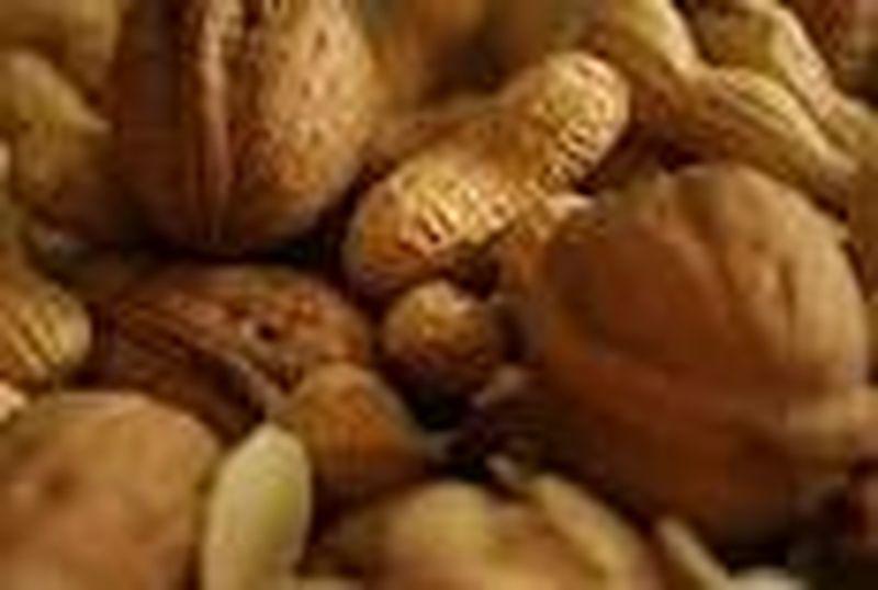 La frutta secca nelle diete per il controllo del peso e della glicemia